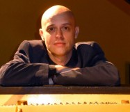 Viv McLean plays Beethoven & Mozart